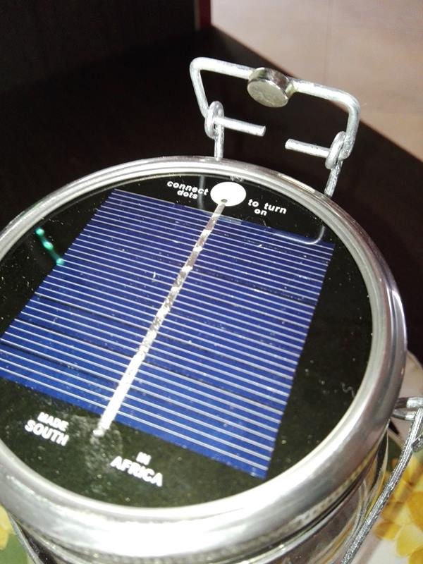 2-decorare-il-giardino-consol-solar-jar