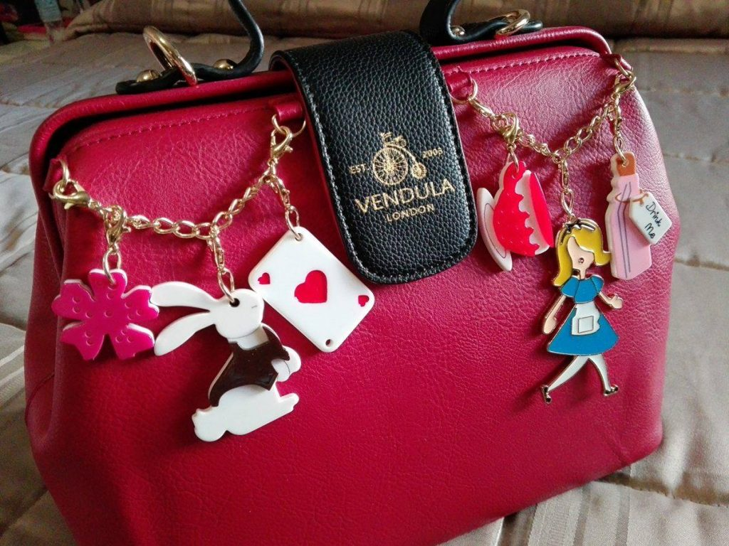 vendula-doctor-bag-alice-charm-2