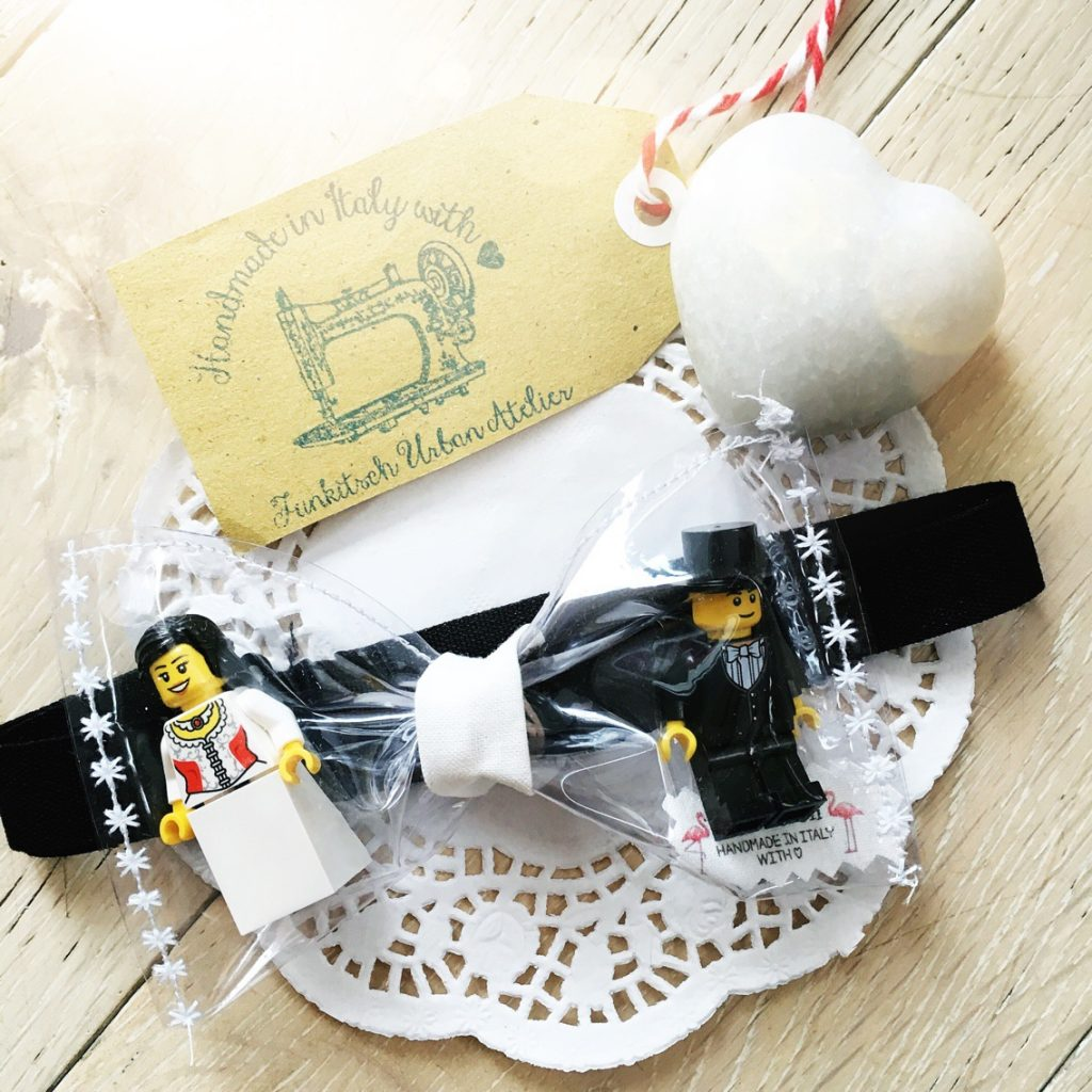 cravates-plastic-papillon-lego-wedding-bride-18707619-pictures-0-14697404-30560_big
