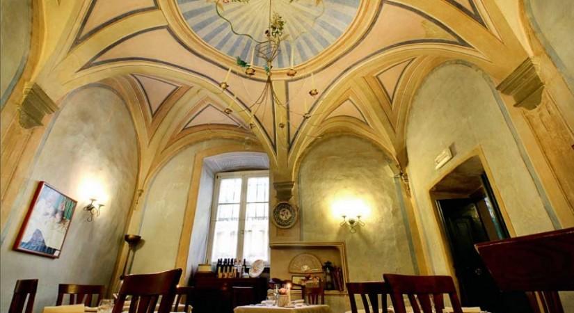 Osteria-del-Teatro-dettaglio-soffitto