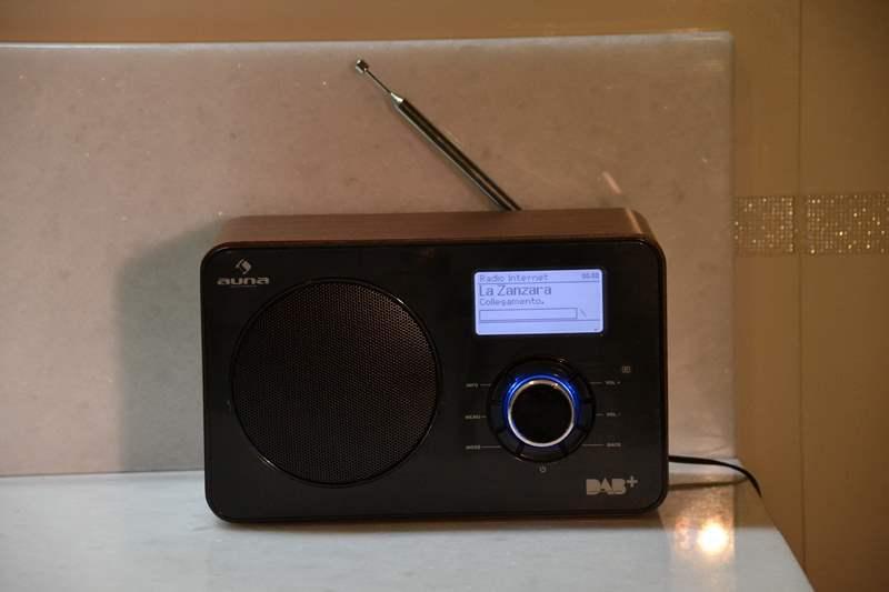 1-Internet-radio-Auna