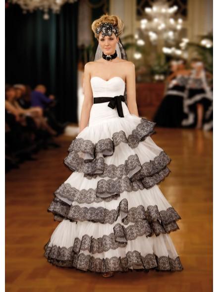 Landybridal-wedding-dress