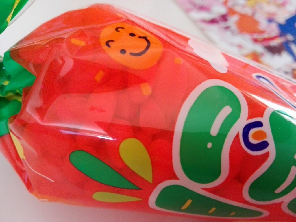 6-TokyoTreat-Japanese-Candy-Box