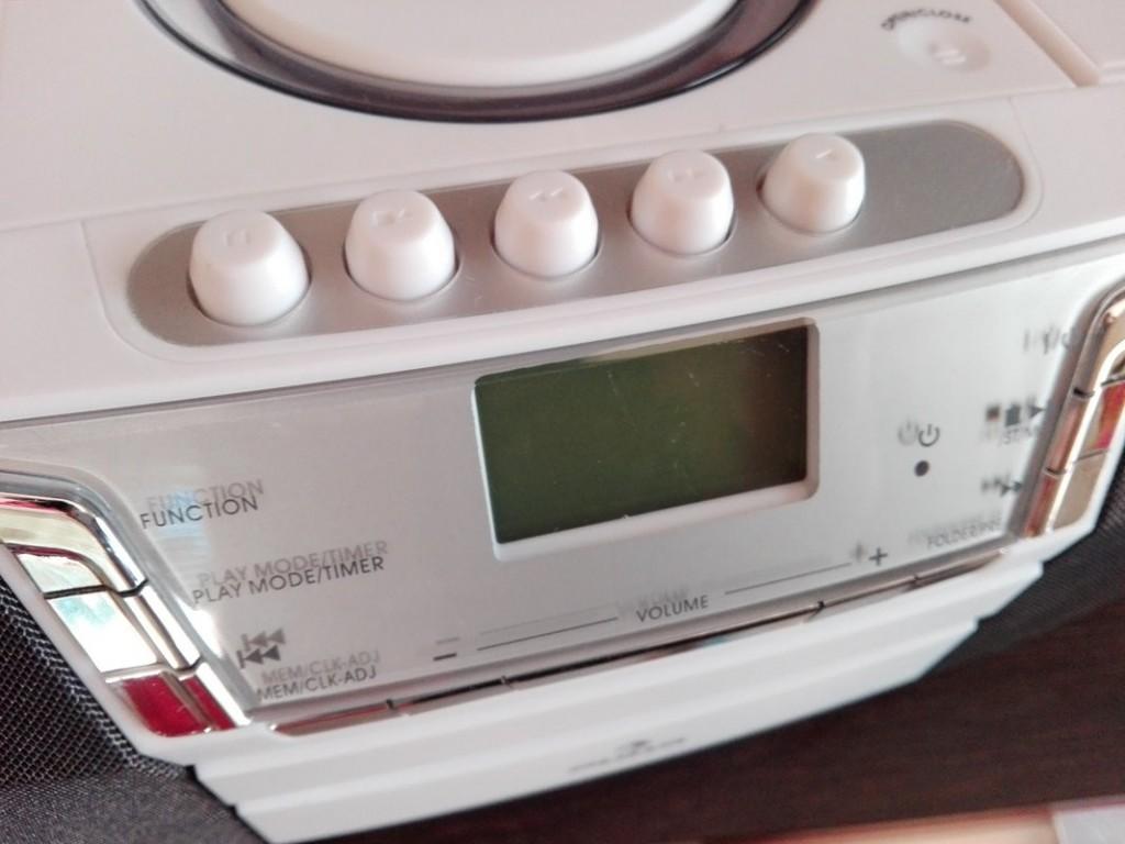 6-stereo-potatile-con-mangianastri