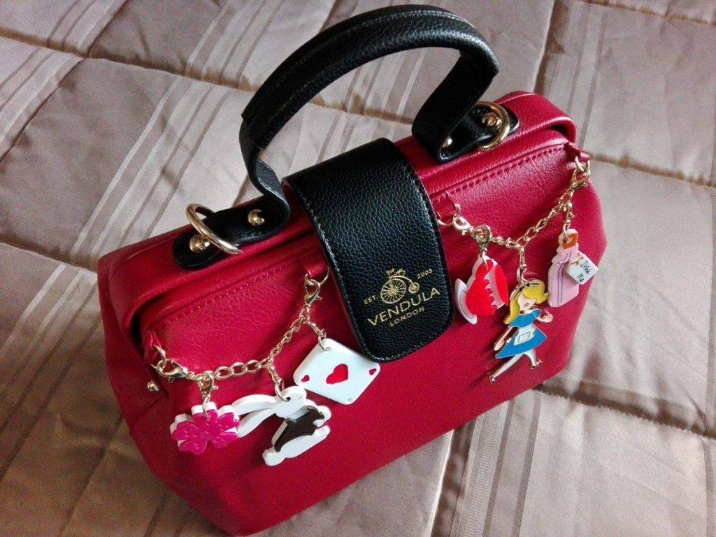 vendula-doctor-bag-alice-charm-12