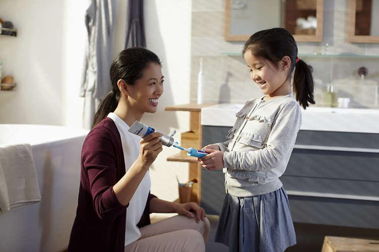 insegnare-ai-bambini-a-lavarsi-i-denti-1