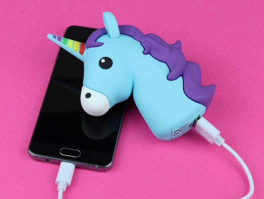 regali per amiche - Batteria portatile Unicorno