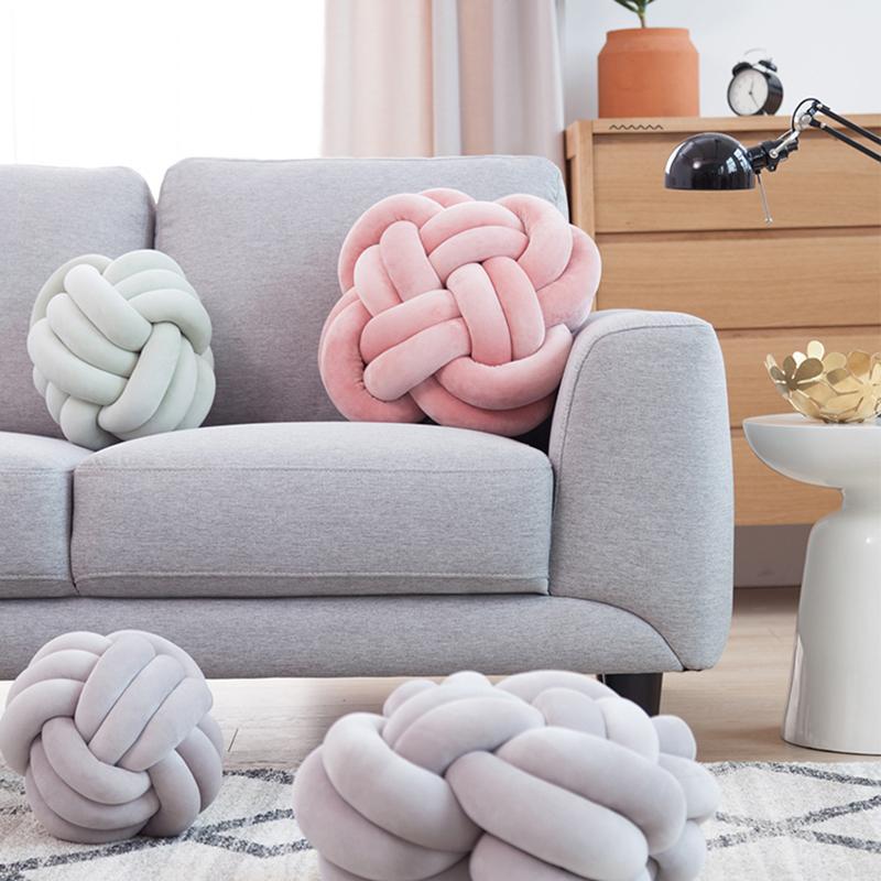 Festa della mamma: cuscini knot